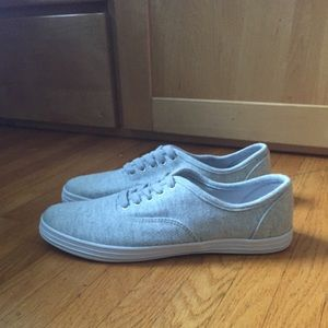 Mossimo sneakers size 8